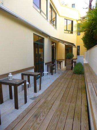 Boavista Guest House: Terrasse