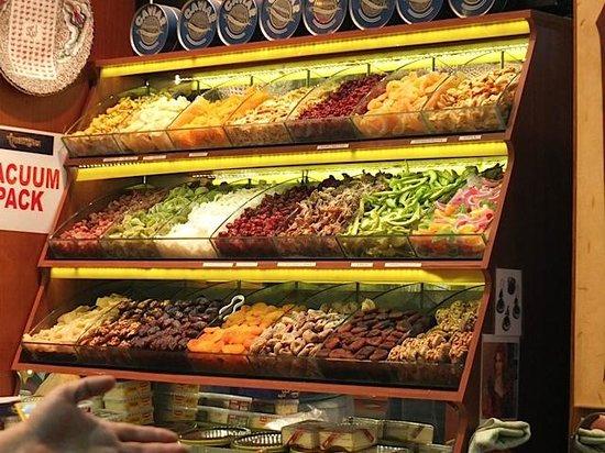 Egyptian Bazaar : Dried fruit