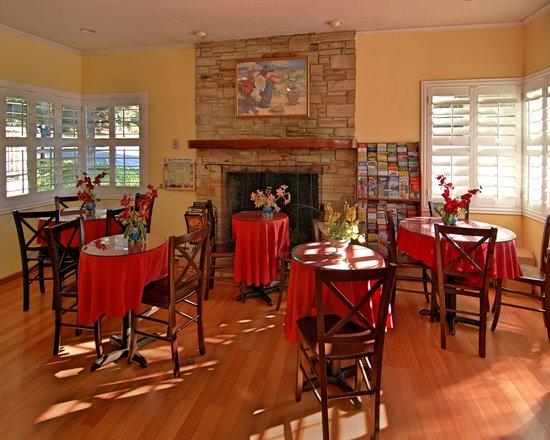 Comfort Inn Carmel By The Sea: Breakfast Room