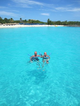 Boathouse Boat Rentals SXM: Beautiful Water
