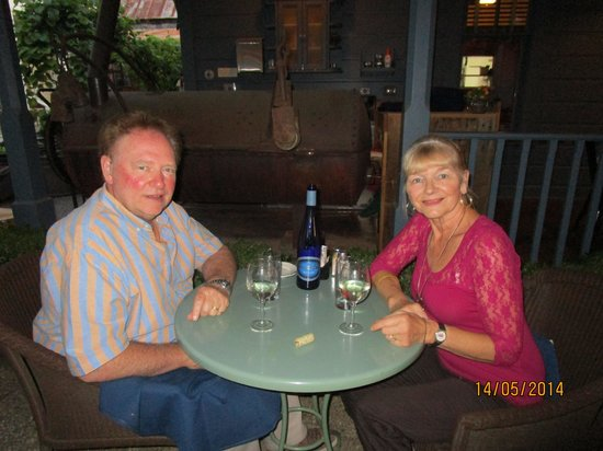Blue Wing Saloon & Cafe: Romantic night out,