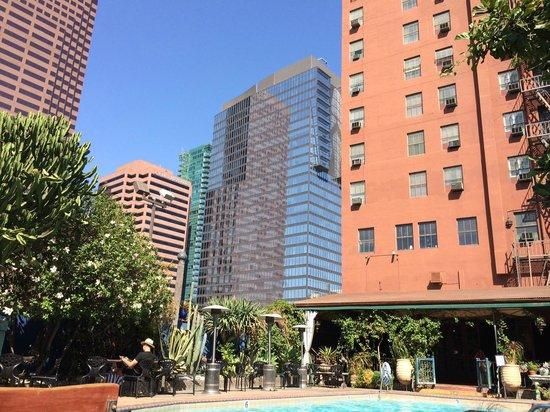 Hotel Figueroa: Poolside