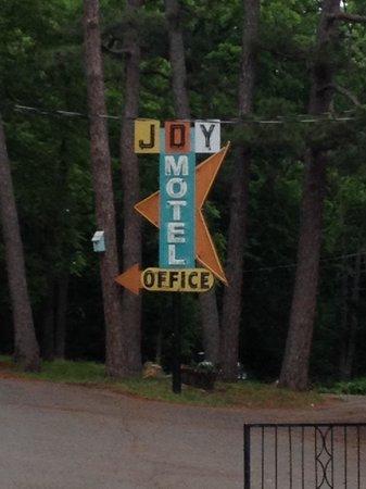The Joy Motel : Cool neon.