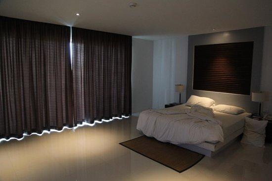 Peace Laguna Resort and Spa: Spacious Superior Room.