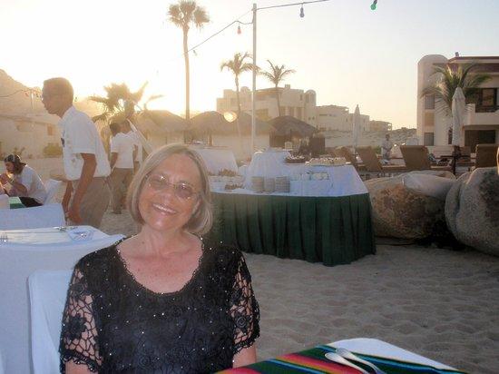Solmar Resort: Al Fresco dining at the Mxican buffet night