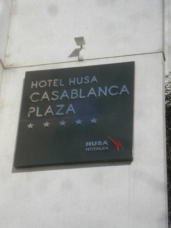 Mövenpick Hotel Casablanca : La plaque de l'hôtel