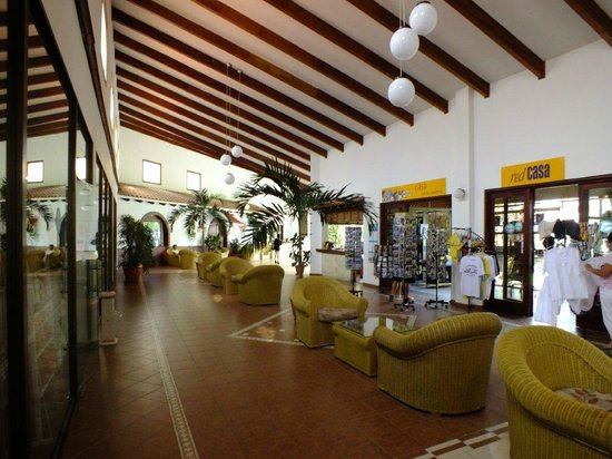 Hotel Roc Arenas Doradas: shopping alley - lobby area