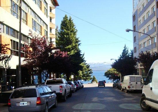 Ayres del Nahuel: vista desde el hotel (calle Rolando