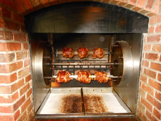 Austin's American Grill - North: Cooking chicken