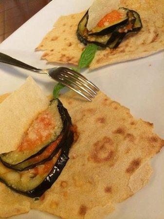 Agriturismo Saltara: Aubergines were excellent on crispy bread
