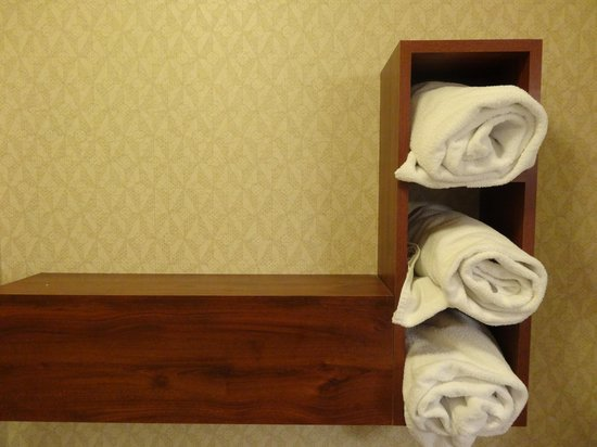 Residence Inn Milwaukee Downtown: Towels
