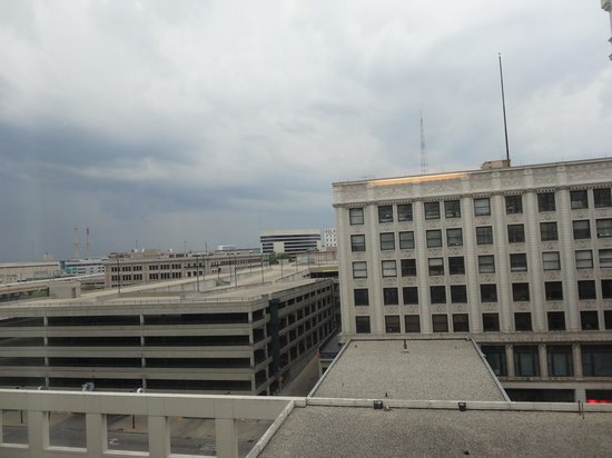 Residence Inn Milwaukee Downtown: View facing opposite of river