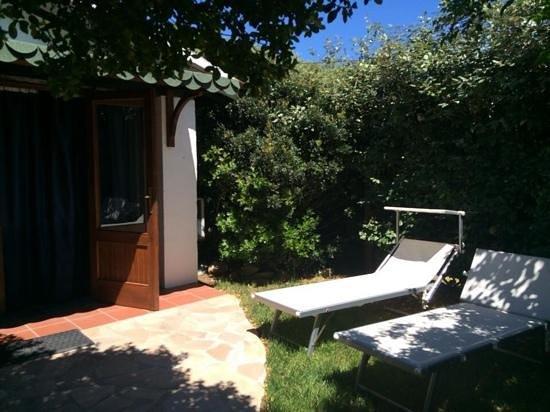 Agriturismo Saltara: Charming patio outside our room