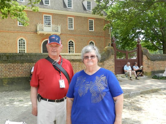 Williamsburg Colonial Tours: Charles and Jane at the end of a marvelous tour