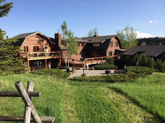 Howlers Inn Bed & Breakfast and Wolf Sanctuary: Fantastic Middle of no where BUT just 15 minutes away from downtown