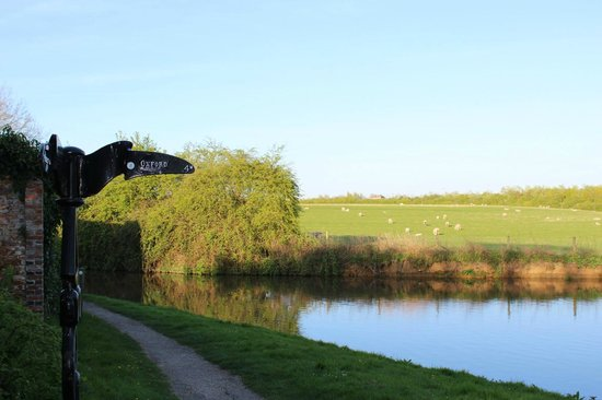 Cycle Tours Oxford: Cycle the Oxford canal