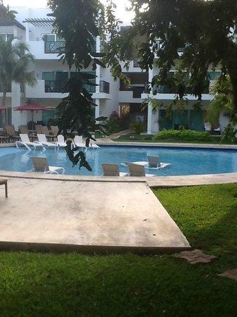 Azul Beach Resort The Fives Playa Del Carmen: Pool Next to Room