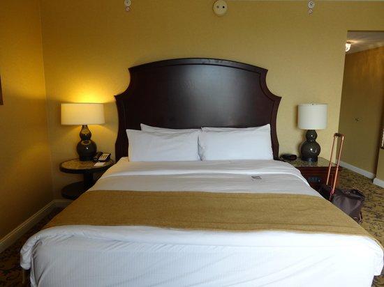 InterContinental Kansas City at the Plaza: Bed
