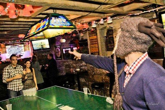 Streeter's Tavern : Pong at Streeter's