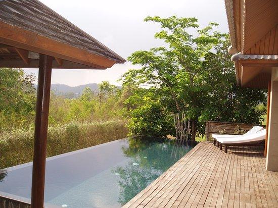 GUTI Resort by AKA: Pool & pool deck