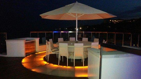 Movenpick Hotel Mactan Island Cebu: Ibiza lounge