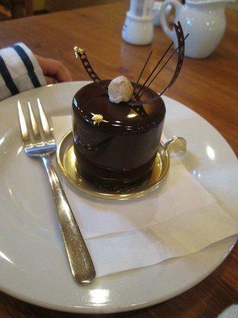 Oakwood: カフェでしか食べられないチョコレートムース