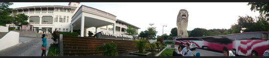 Le Meridien Singapore, Sentosa : Panoramic view of the Moevenpick heritage Sentosa, Merlion and the Imbiah station