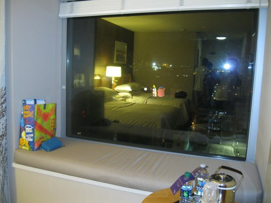 Sheraton Grand Sacramento Hotel: Window Seat