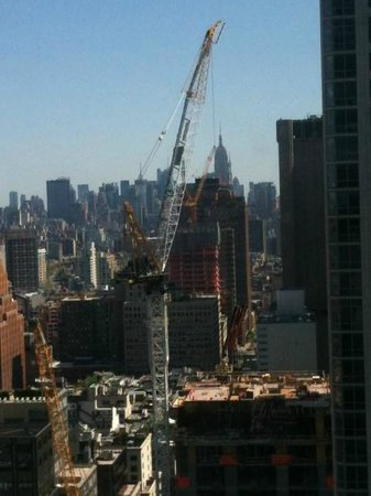 Millennium Hilton New York Downtown: View from other window in bedroom (Empire State Buolding in Background)