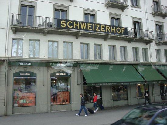 Hotel Schweizerhof Luzern: Front of Hotel Schweizerhof