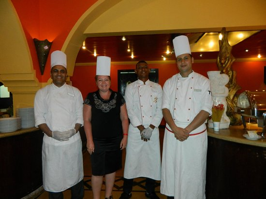 Domina Hotel & Resort Harem: Спасибо нашим поварам за то,что вкусно варят нам!