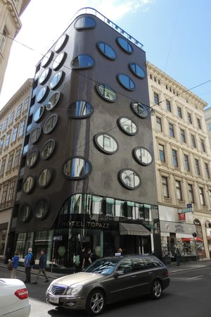 Hotel Topazz: Hotel por fora