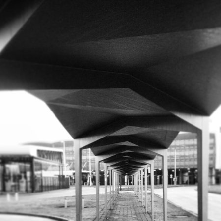 citizenM Schiphol Airport: covered path to the terminal building from the hotel