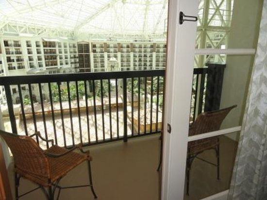 Gaylord Texan Resort & Convention Center: Rooms facing the atrium have balconies.