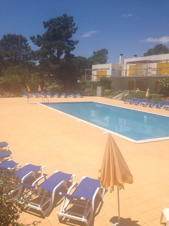 Pinhal da Marina: Second large pool