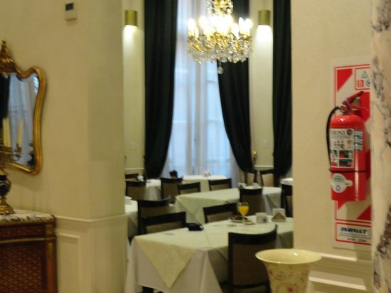 Marseille des Anges Hotel : Sala do café da manhã.