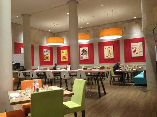 Four Points by Sheraton Perth : The empty restaurant