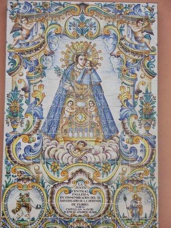 Casco Antiguo: Painel de  Nossa Senhora dos Desamparados