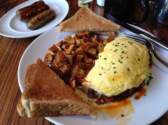 The Saguaro Scottsdale: Omelette with Chorizo Sausage