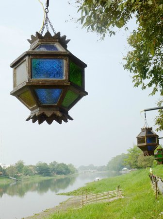 Hollanda Montri Guesthouse: warm light