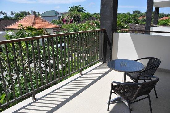 Taksu Sanur Hotel: Balcony