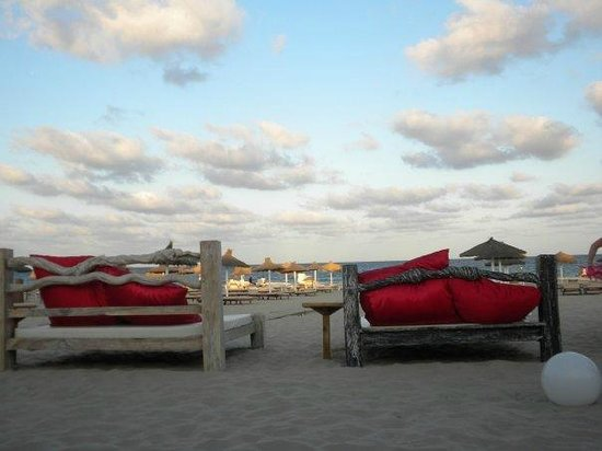 Ushuaia Ibiza Beach Hotel : camas thai