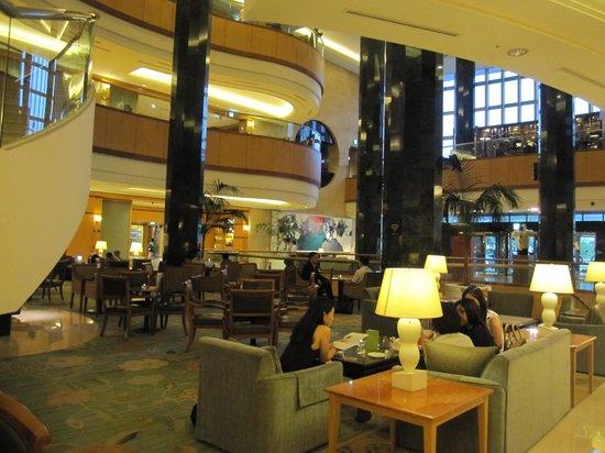 JW Marriott Hotel Seoul: 豪華なロビー