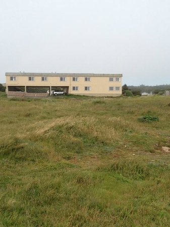 Bandon Beach Motel: view of hotel