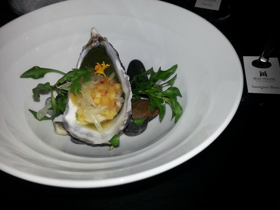 The District Grill Room and Bar: Oyster