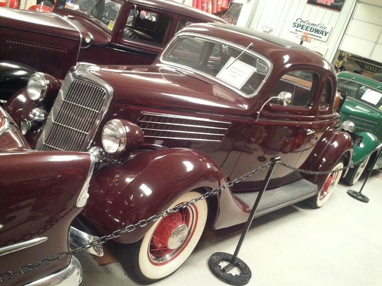 Memory Lane Museum : 1935 V-8 Ford Coupe