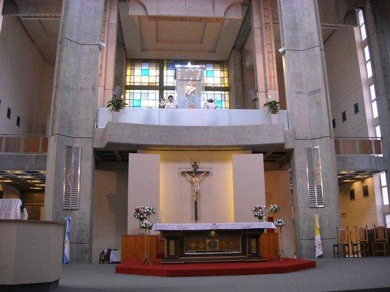 San Nicolas de los Arroyos, Argentina: El altar y el camarín de la Vírgen.