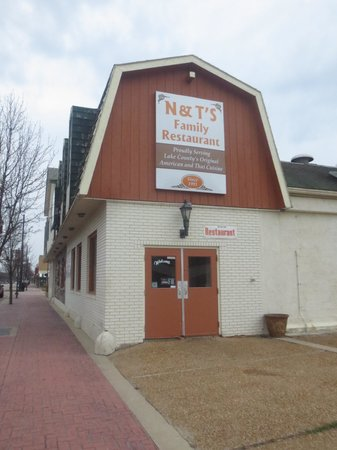 The Inn at Market Square : N & T's Restaurant next to hotel