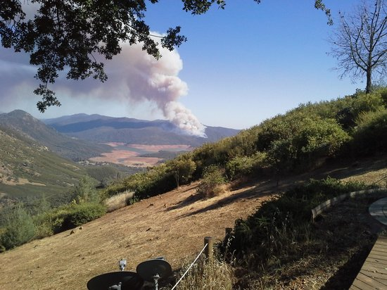 Penon Blanco Lookout: fire across the lake
