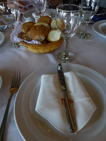 Bahia Madero: Table setting